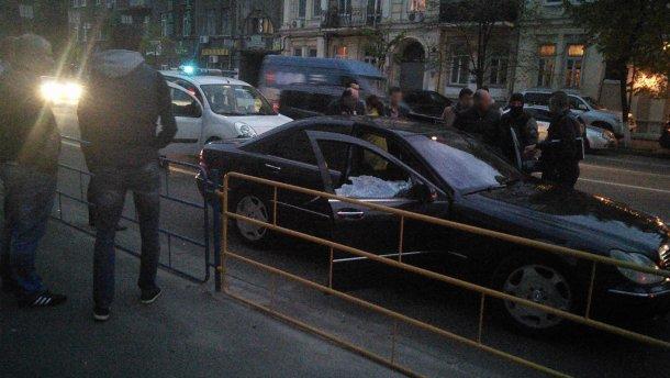 Стрілянина у центрі Києва: спецпризначенці МВС зупинили автомобіль (ФОТО)