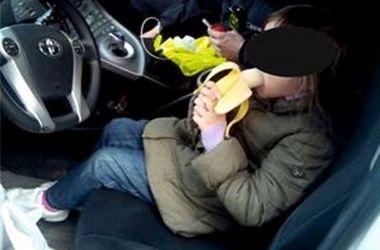 Поліцейські Львова знайшли 5-річну дівчинку, що заблукала (ФОТО)