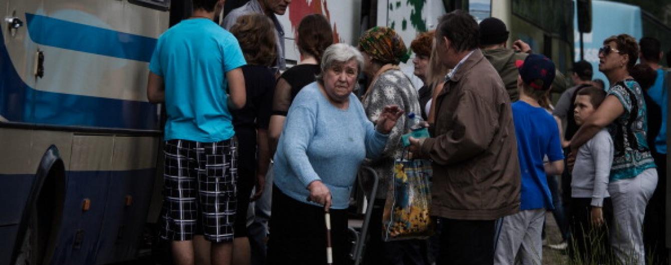 В Украине соцвыплаты насчитывают 700 тысячам псевдопереселенцам – СМИ