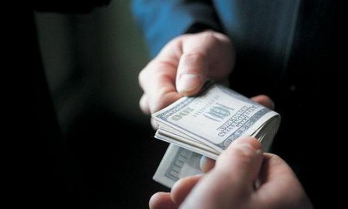 Поліція у Львові затримала чиновницю, яка вимагала хабар за законне збільшення соцвиплат