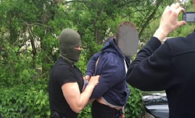 На Харьковщине пограничник задержан при получении $9,8 тыс взятки
