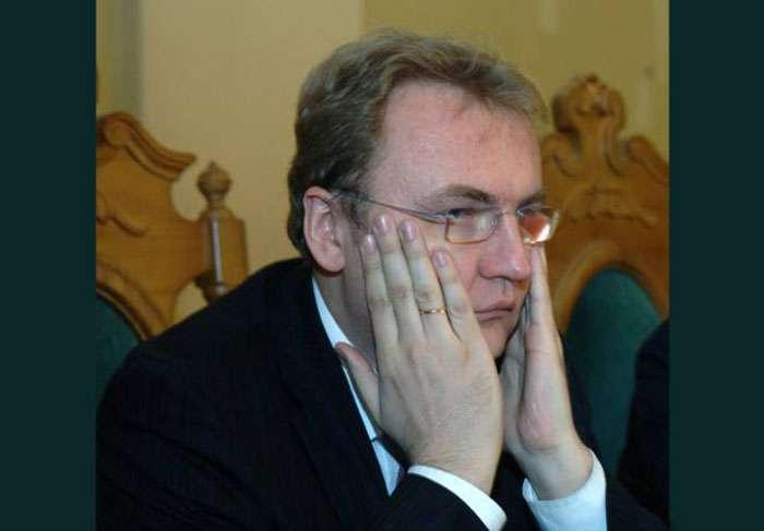 Львівські депутати сьогодні можуть висловити недовіру Садовому
