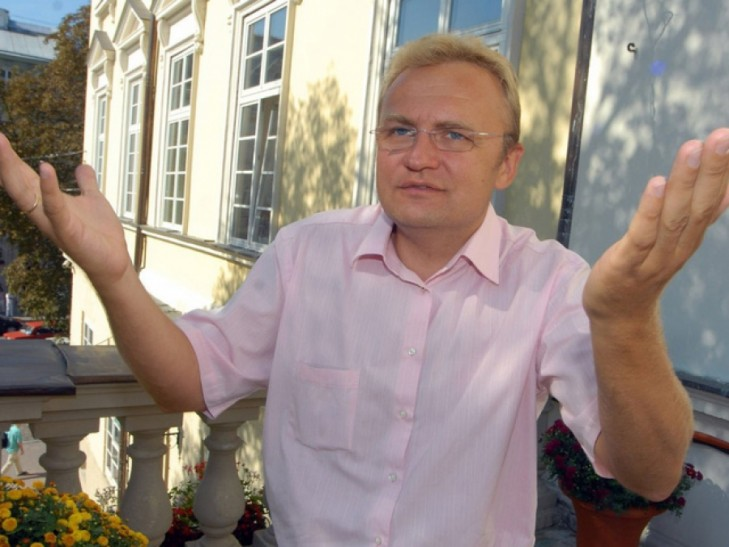Львівські батьки вимагають від Садового безкоштовної освіти (ФОТО, ВІДЕО)