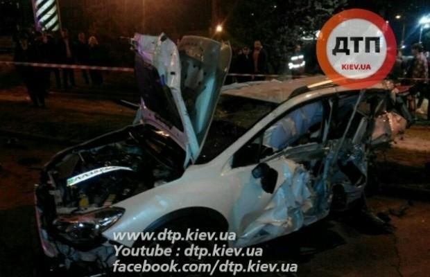 У Києві п'яний водій влаштував моторошну ДТП, є загиблий (фото)