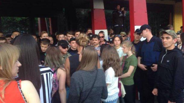 У Львові заблокували концерт Макса Барських (ВІДЕО)
