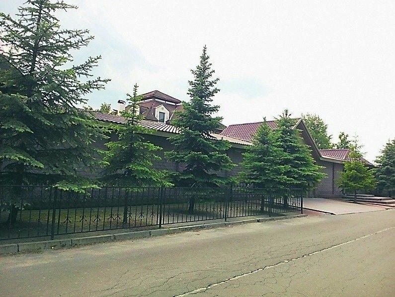 Сусід Порошенка: ЗМІ дізналися про новий дім Гройсмана (ФОТО)