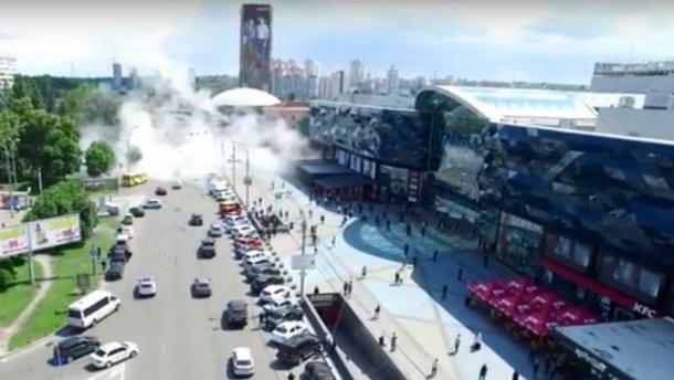 """Гаряча вода заливає Київ – з'явилось """"апокаліптичне"""" відео"""