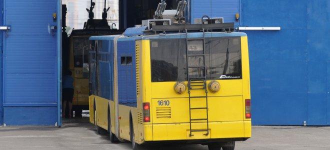 На околиці Харкова обстріляли тролейбус – ЗМІ