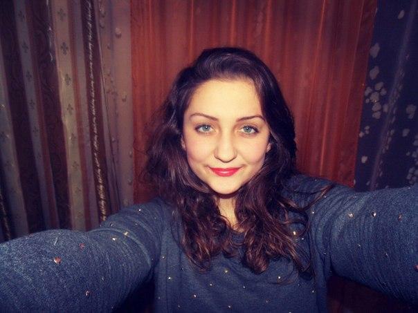 Львів'ян просять допомогти 15-річній дівчині, яка потребує пересадки нирки (ФОТО)