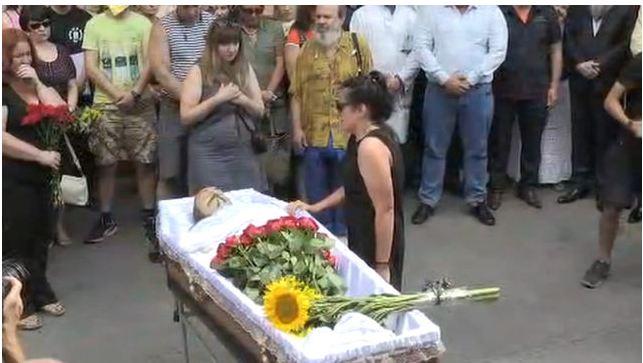 Як прощаються зі співаком Сліпаком, який загинув на Донбасі (фото,відео)