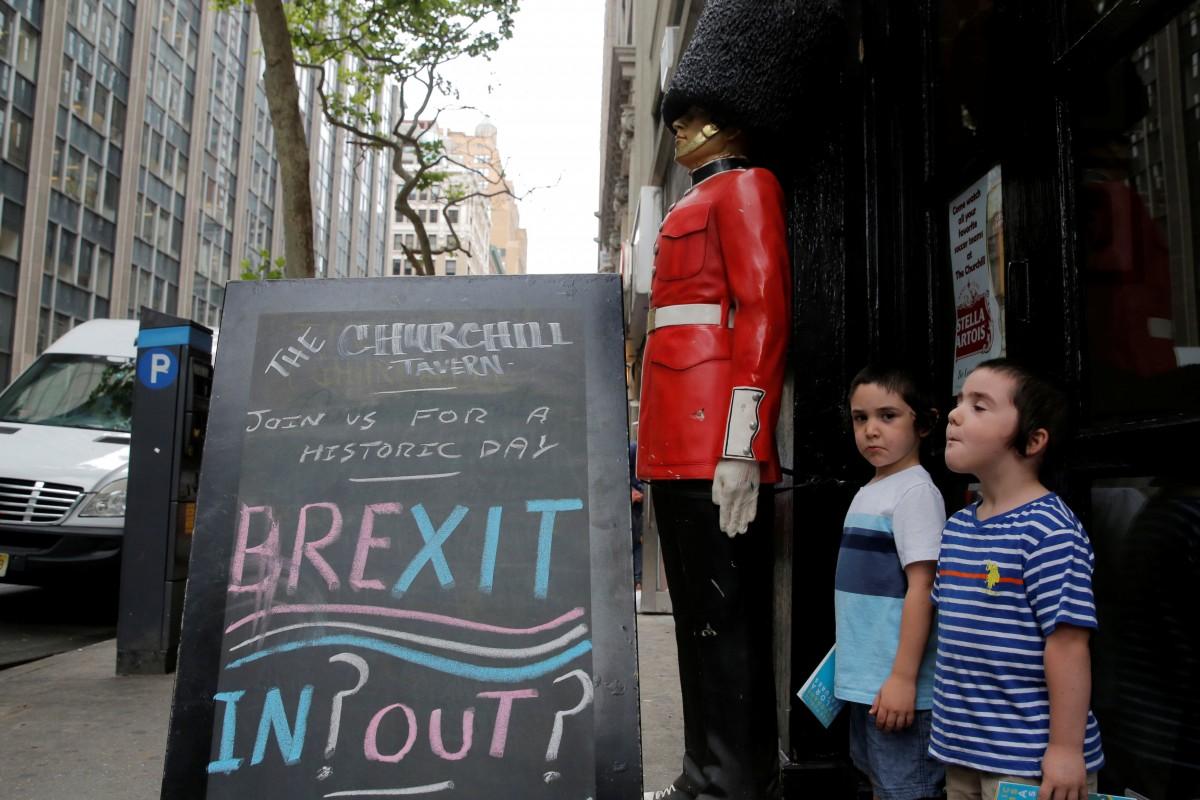 За новий референдум щодо Brexit підписалися більше 555 тисяч британців