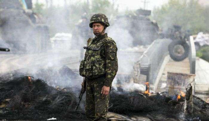 Ситуація в зоні АТО залишається напруженою: бойовики 49 разів обстріляли українських військових