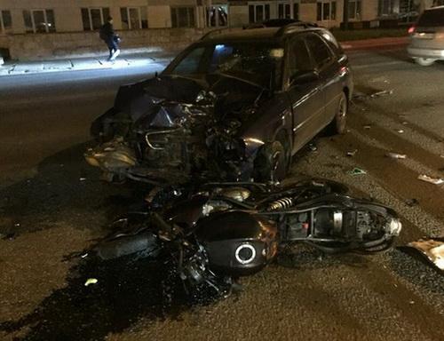 На Стрийській Suzuki Baleno збило мотоцикліста, постраждалий у важкому стані