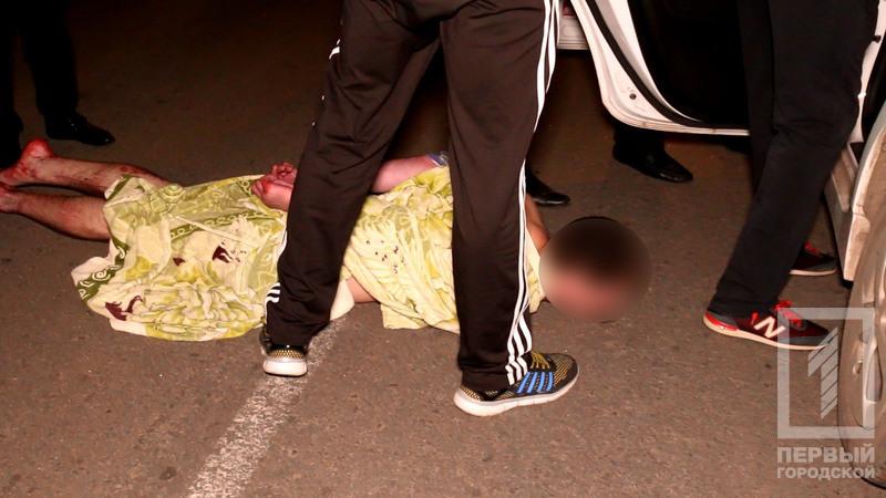 Кривава розправа: у Кривому Розі син жорстоко зарізав рідну матір (ФОТО+18)