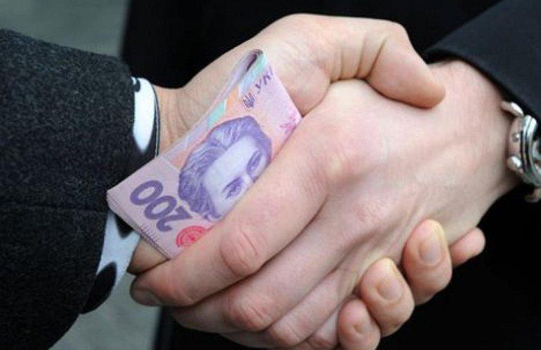 В Житомирі судитимуть чиновника управління юстиції, який вимагав хабар