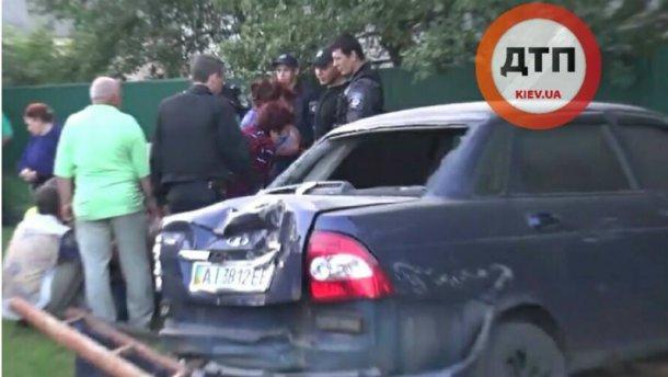 Жахлива трагедія: водій насмерть збив двох дітей на узбіччі (ФОТО)