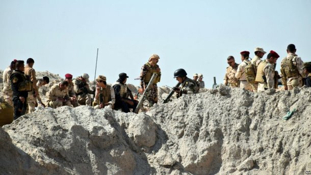Майже півтисячі вбитих військових знайшли в Іраку