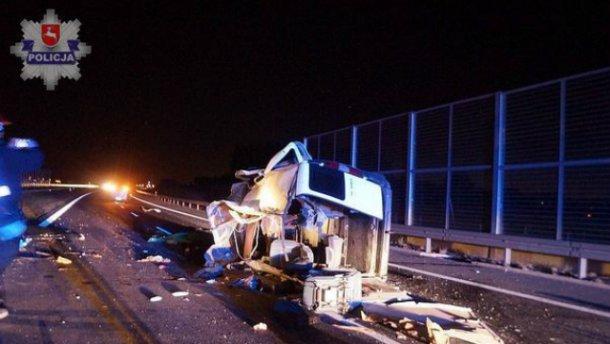 Авто с украинскими номерами попало в ДТП в Польше: есть погибшие