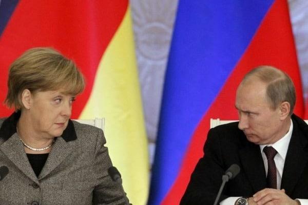 За Крым и Донбасс: Германия официально назвала Россию соперником