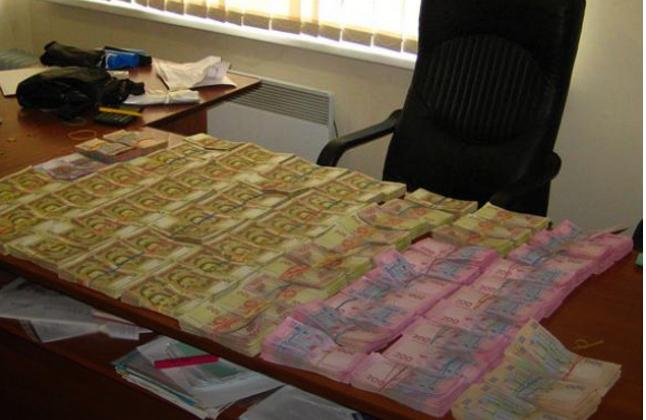 У Маріуполі силовики накрили конвертцентр з обігом 10 млн грн (ФОТО)
