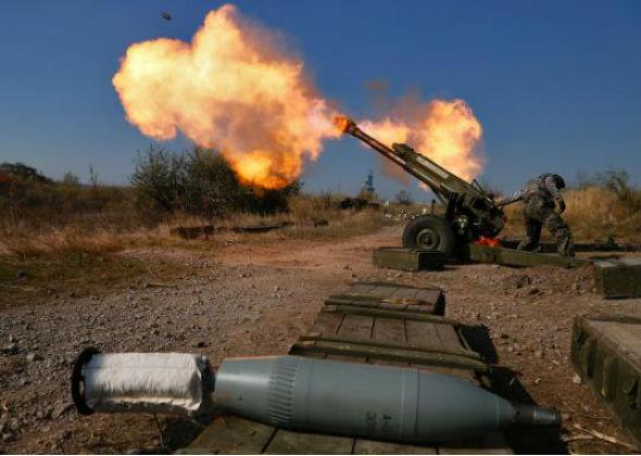 Ситуація у зоні АТО: Донбас стрясають залпи САУ і зенітних установок
