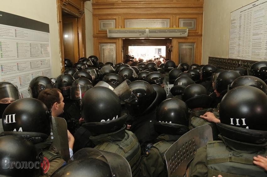 Для придушення виступу львів'ян проти Садового з'їхались силовики із Західної України (ВІДЕО)