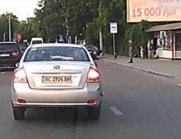 Відеохіт: невдала спроба автопідстави у Львові  (відео)
