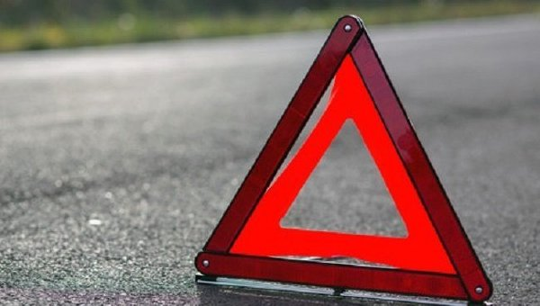 Аварія в Одесі: в центрі міста не розминулися три автівки та мотоцикл