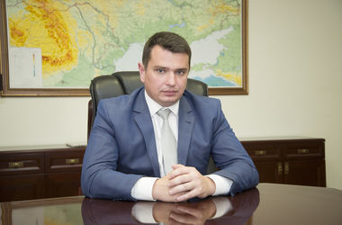 Стало відомо, скільки в червні заробив головний антикорупціонер України