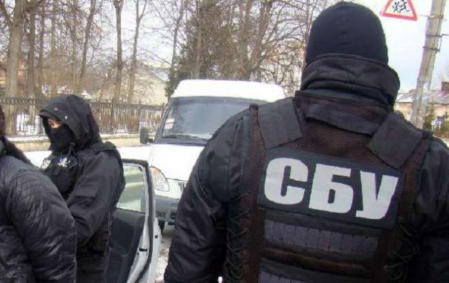 СБУ затримала 2 прокурорів на вимаганні грошей у підозрюваного в держзраді