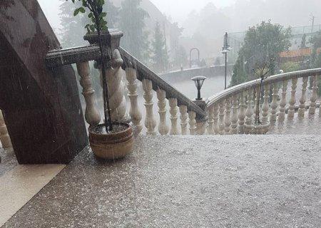 Сюрприз в Карпатах: у липні випав сніг (ФОТО)