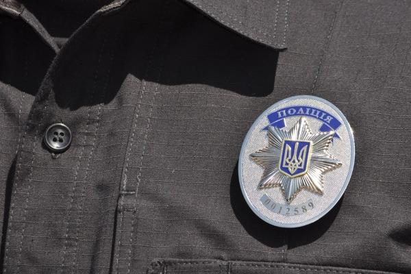 У Києві на вокзалі патрульний поліцейський побив інваліда гумовою палицею