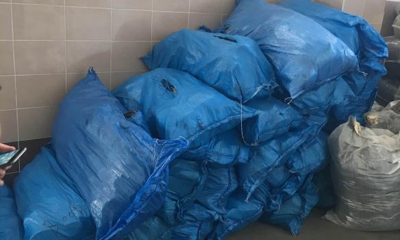 На Волині прикордонники виявили у партії секонд-хенду нові речі майже на 700 тис. грн (ФОТО)