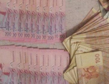 СБУ затримала на хабарі завідувача кафедри одеського ВНЗ, яка вимагала гроші за захист дипломів