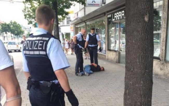 У Німеччині чоловік із мачете напав на перехожих, є жертви