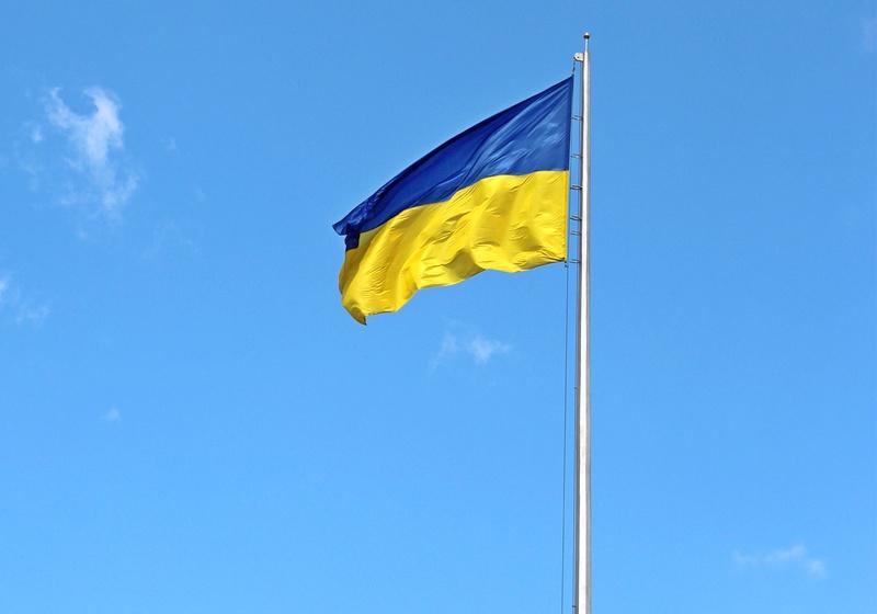 Понад півсотні терористів не насмілюються збити український прапор у Мар'їнці