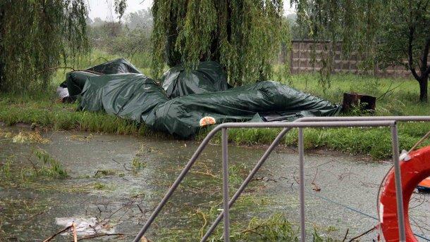 Ураган у Сєвєродонецьку: зруйноване наметове містечко вимушених біженців (ФОТО, ВІДЕО)