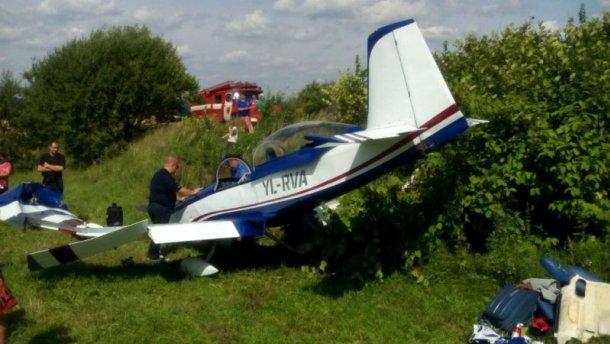 На Львівщині розбився літак з іноземцями