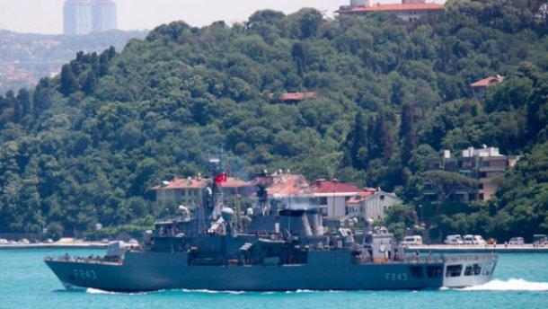 Переворот в Туреччині: бунтівники захопили корабель і взяли в заручники командувача ВМС