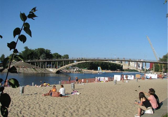 Де безпечно купатися у Києві