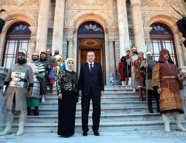 """Сучасна """"Гюрем Султан"""" чи як живе дружина Ердогана (фото)"""