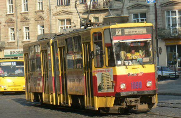 У Львові не курсує трамвай через витік води