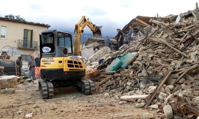 Кількість жертв землетрусу в Італії зросла до 247 осіб