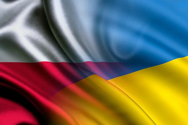 У Польщі набирає обертів антиукраїнська істерія