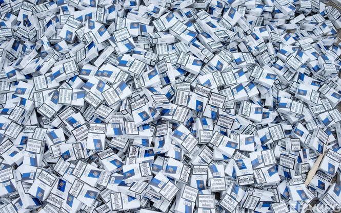 Тютюнова мафія: на Львівщині вилучили контрабандні цигарки на кілька мільйонів гривень