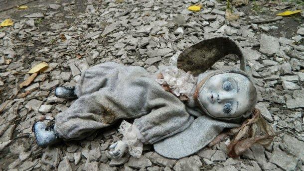 Нечувана жорстокість. П'яна матір до смерті забила свою маленьку доньку