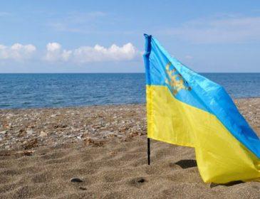 Окупанти заявили, що прапора України ніколи не буде над Кримом
