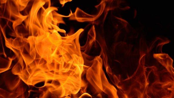 Моторошний випадок на Львівщині: жінка облила себе бензином і підпалила