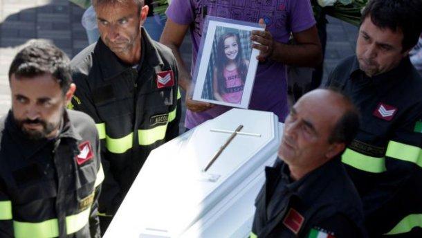 Землетрус у Італії: зворушливого листа написав рятувальник до дівчинки, що загинула