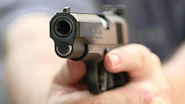 Рідний дядько підстрелив племінника на Житомирщині